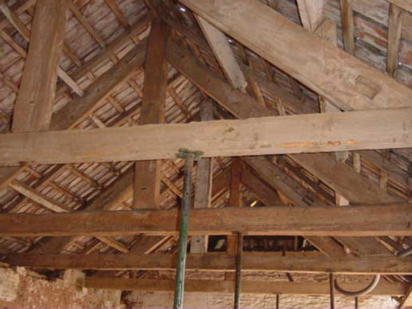 Sandblasting Roof Timber Frames