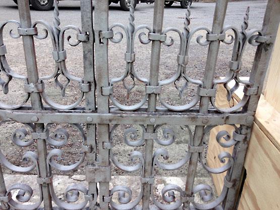 Metal Gates Blast Cleaning